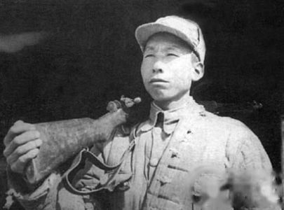 俘虜兵裏的戰鬥英雄王克勤:劉伯承元帥的寶貝
